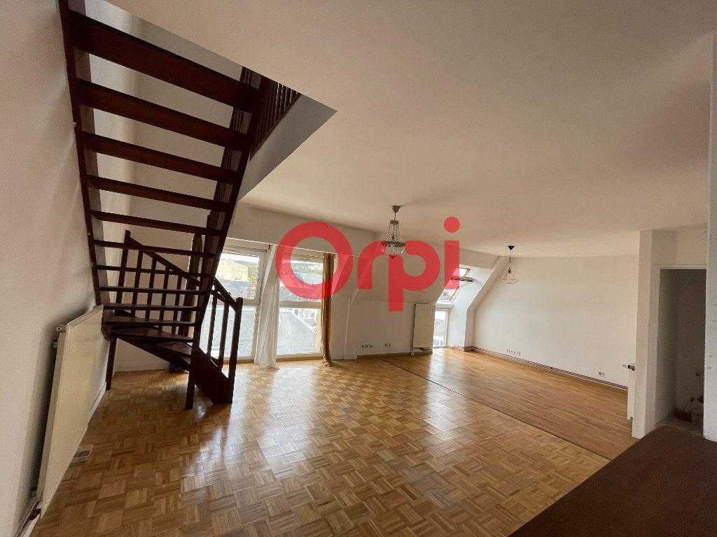 Appartement à vendre 5 87.11m2 à Évreux vignette-1