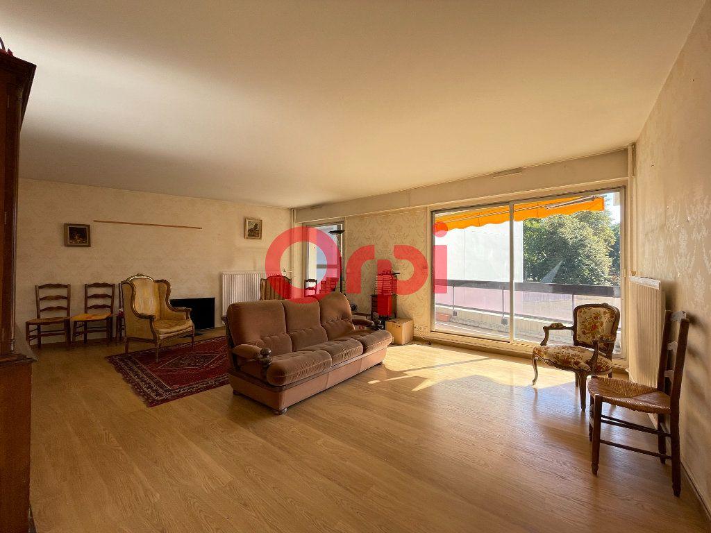 Appartement à vendre 5 105.05m2 à Évreux vignette-4