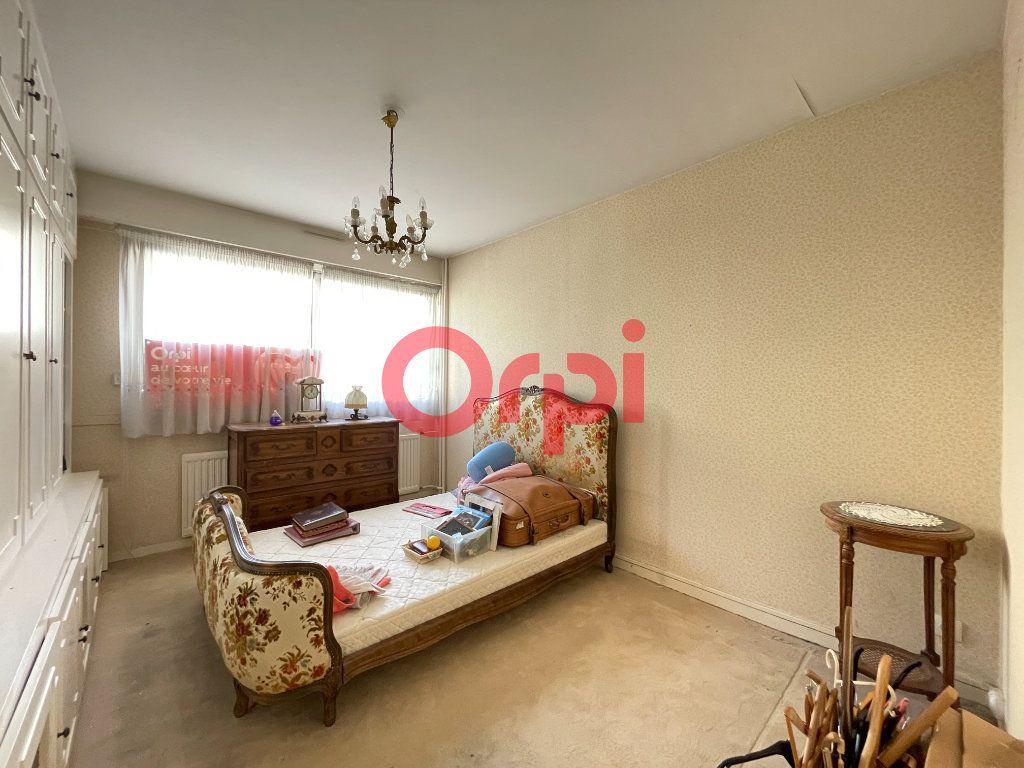 Appartement à vendre 5 105.05m2 à Évreux vignette-16
