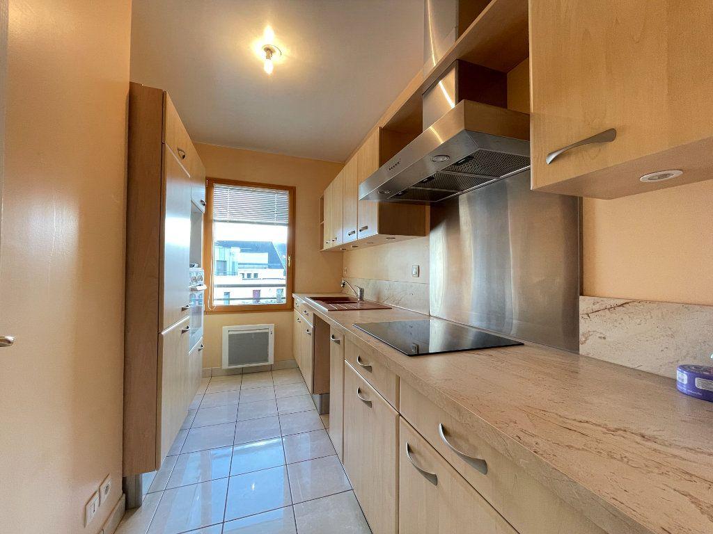 Appartement à louer 3 61.66m2 à Évreux vignette-4