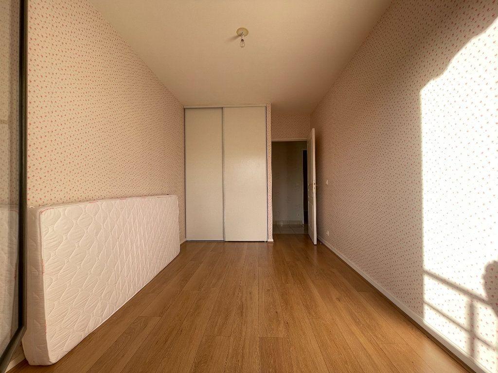 Appartement à louer 3 61.66m2 à Évreux vignette-12