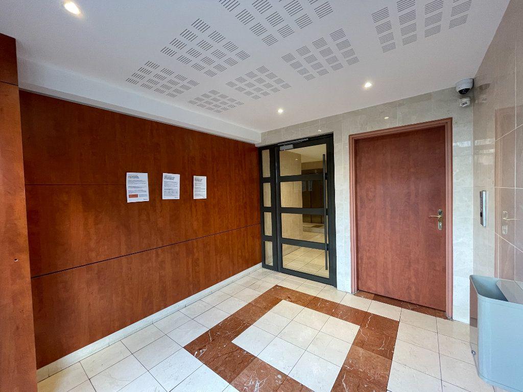 Appartement à louer 3 61.66m2 à Évreux vignette-17