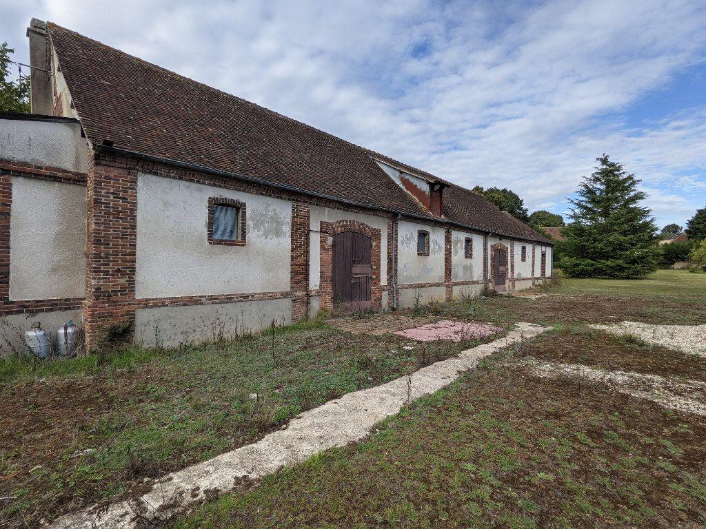 Maison à vendre 12 285m2 à Illiers-l'Évêque vignette-2