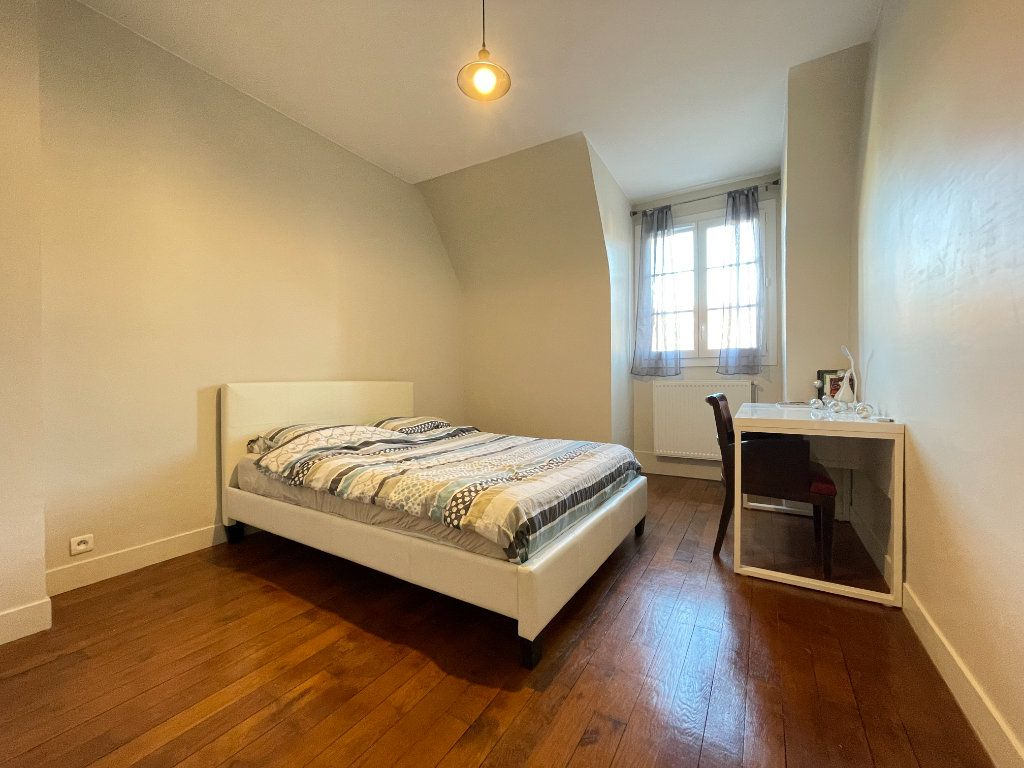 Appartement à louer 5 100.35m2 à Évreux vignette-10