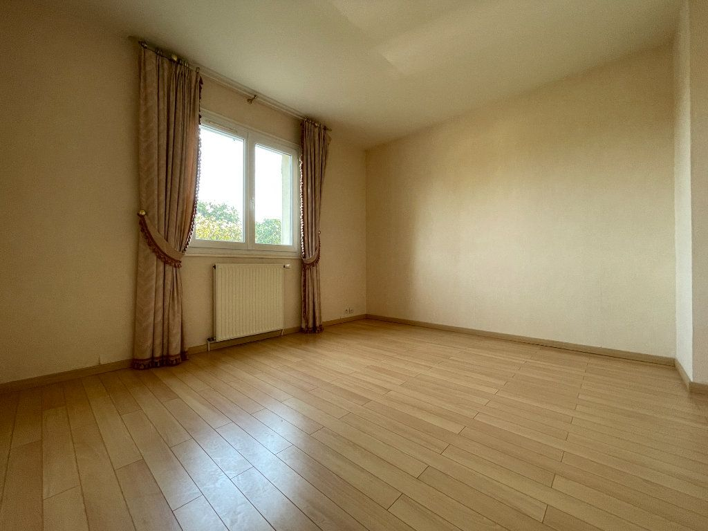 Maison à vendre 5 134m2 à Évreux vignette-9