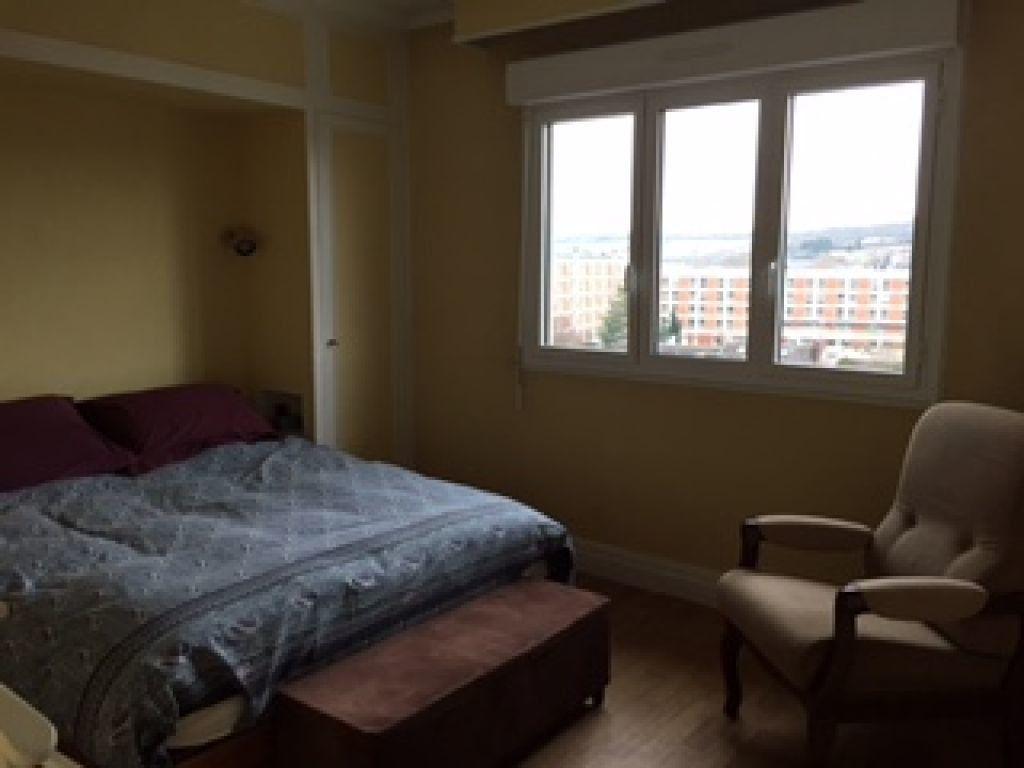 Appartement à louer 4 100m2 à Évreux vignette-7