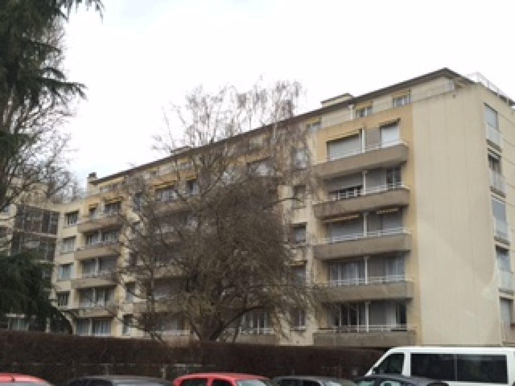 Appartement à louer 4 100m2 à Évreux vignette-8