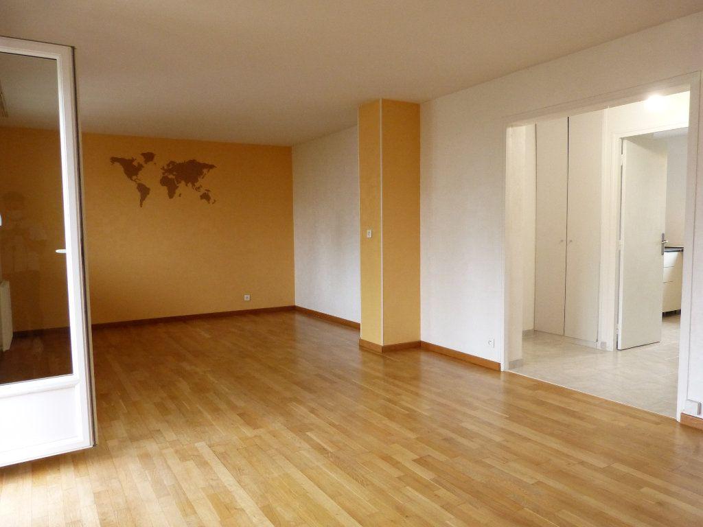 Appartement à louer 4 83.58m2 à Évreux vignette-5