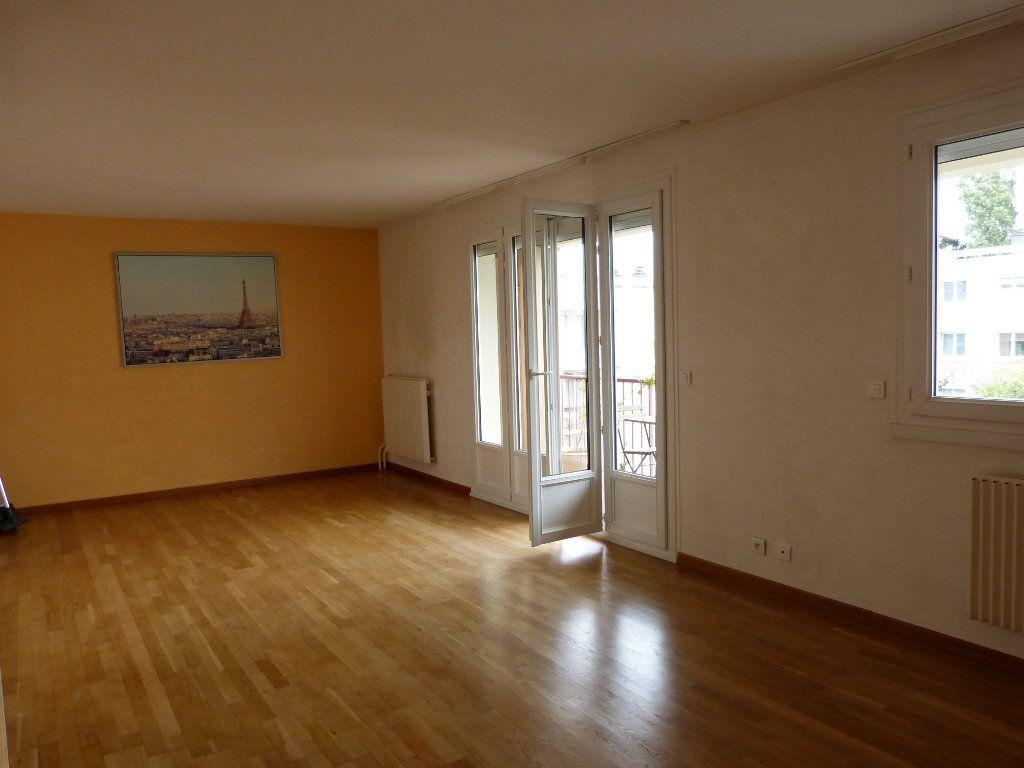 Appartement à louer 4 83.58m2 à Évreux vignette-7