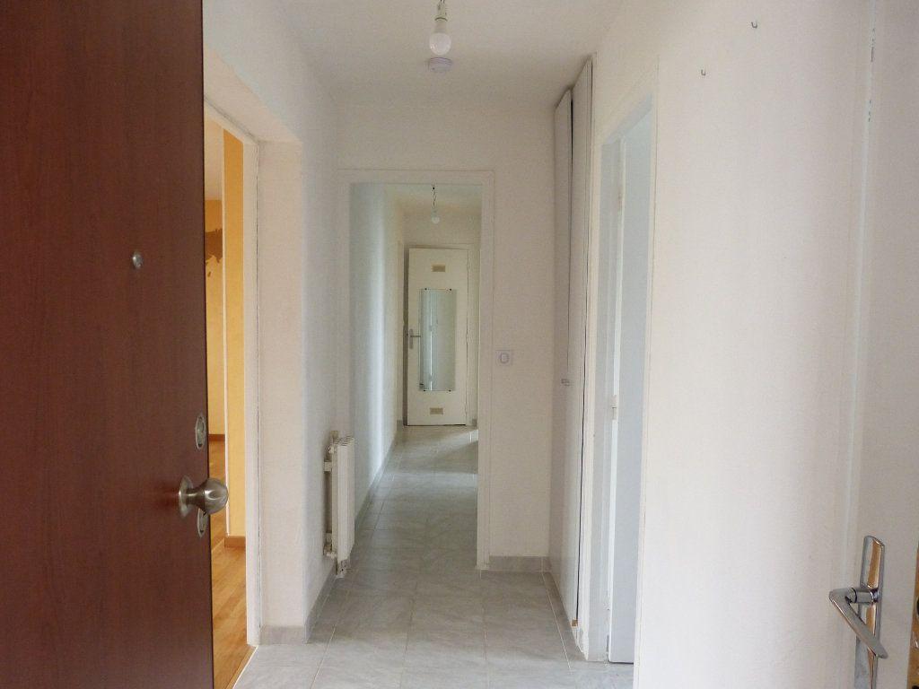 Appartement à louer 4 83.58m2 à Évreux vignette-10