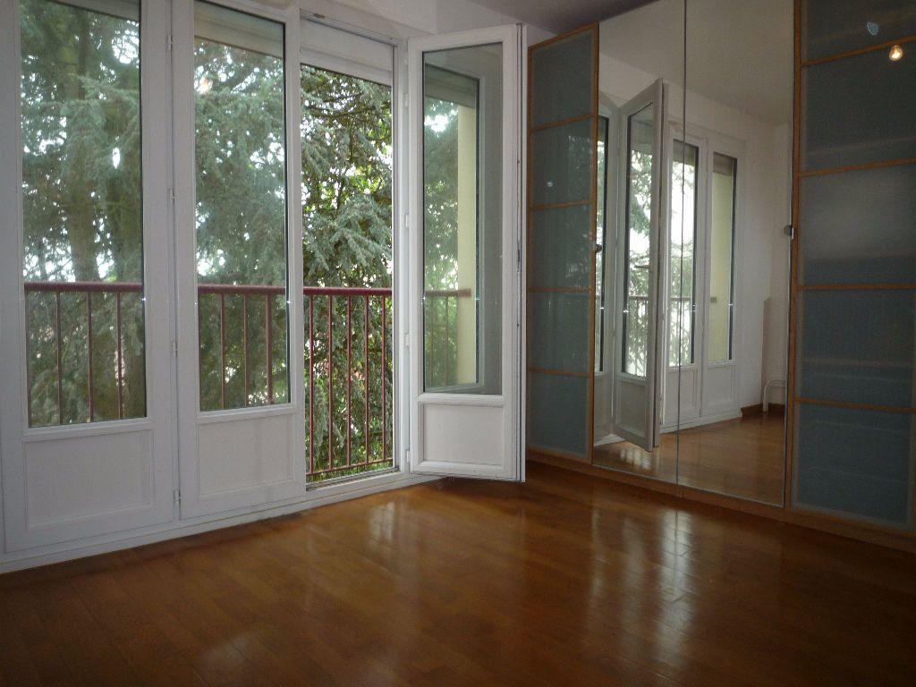 Appartement à louer 4 83.58m2 à Évreux vignette-11