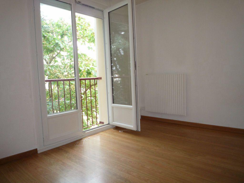 Appartement à louer 4 83.58m2 à Évreux vignette-13