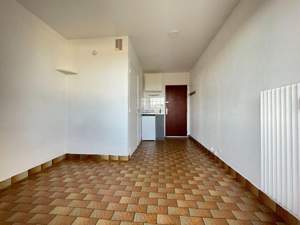 Appartement à louer 1 12.95m2 à Évreux vignette-1