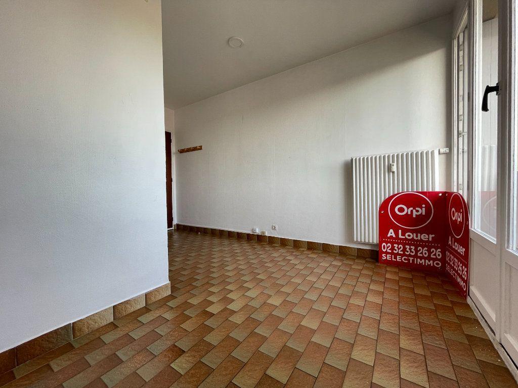 Appartement à louer 1 12.95m2 à Évreux vignette-3