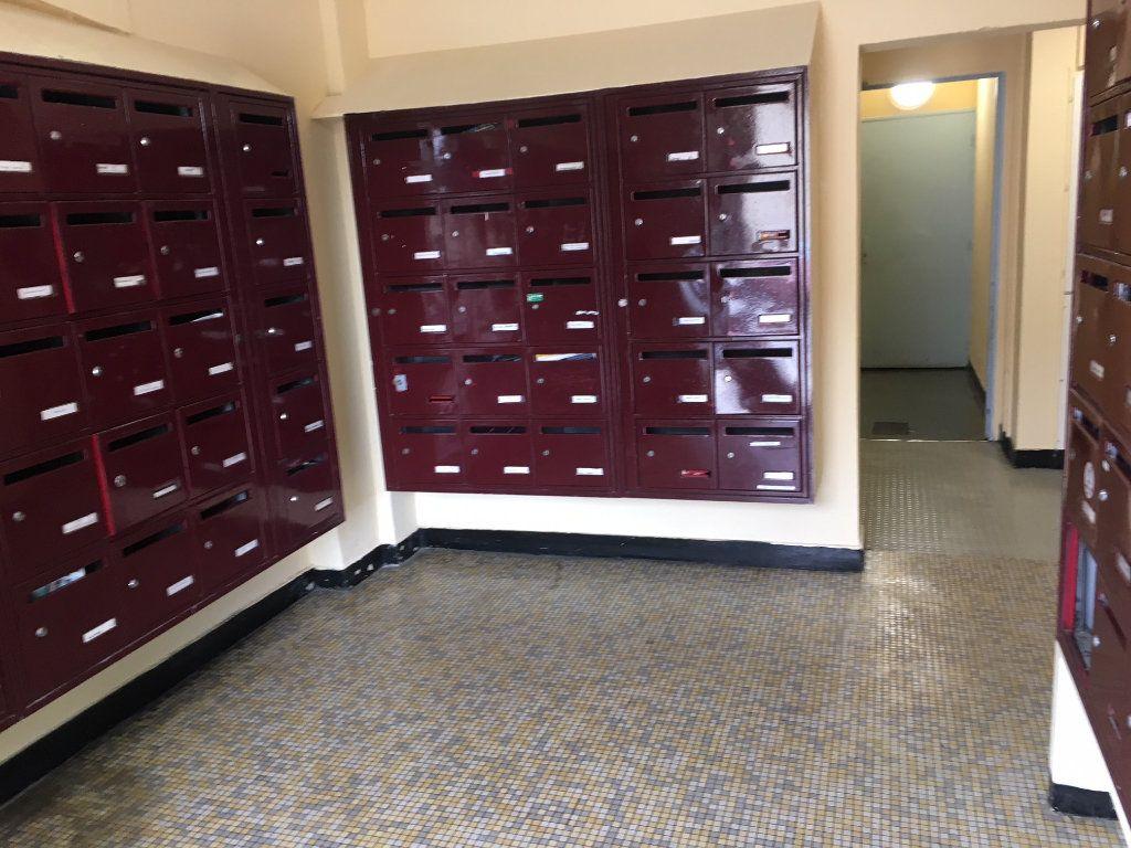 Appartement à louer 1 12.95m2 à Évreux vignette-4