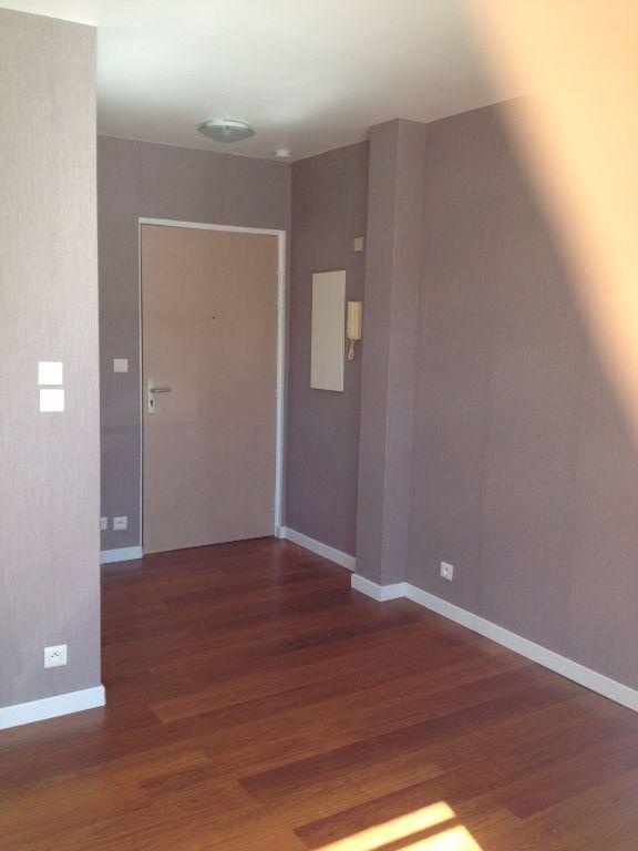 Appartement à louer 1 18m2 à Conches-en-Ouche vignette-1