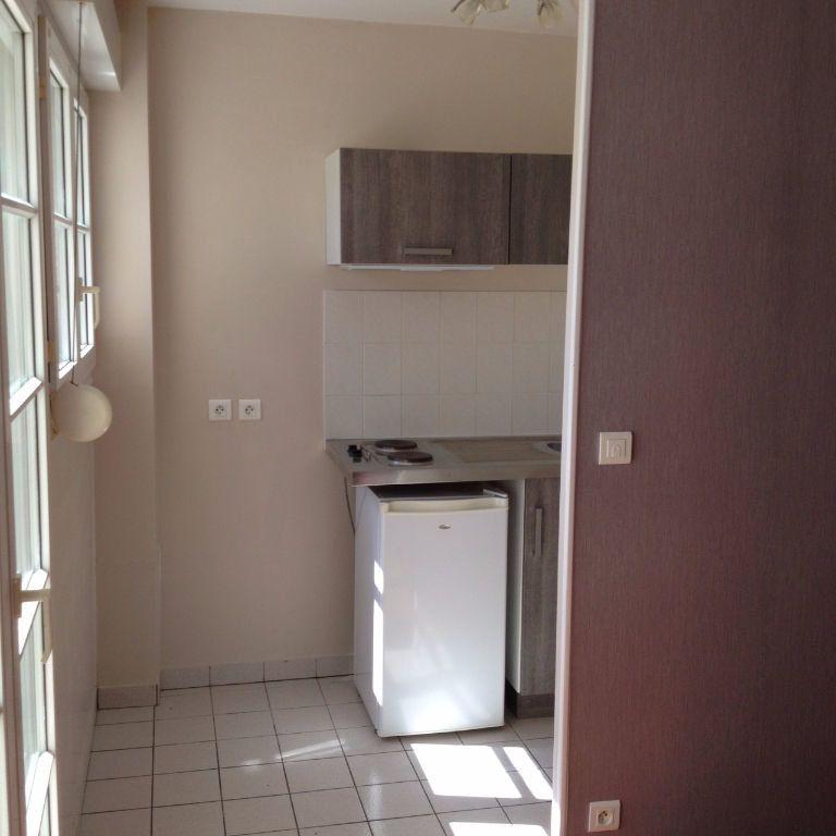 Appartement à louer 1 18m2 à Conches-en-Ouche vignette-5