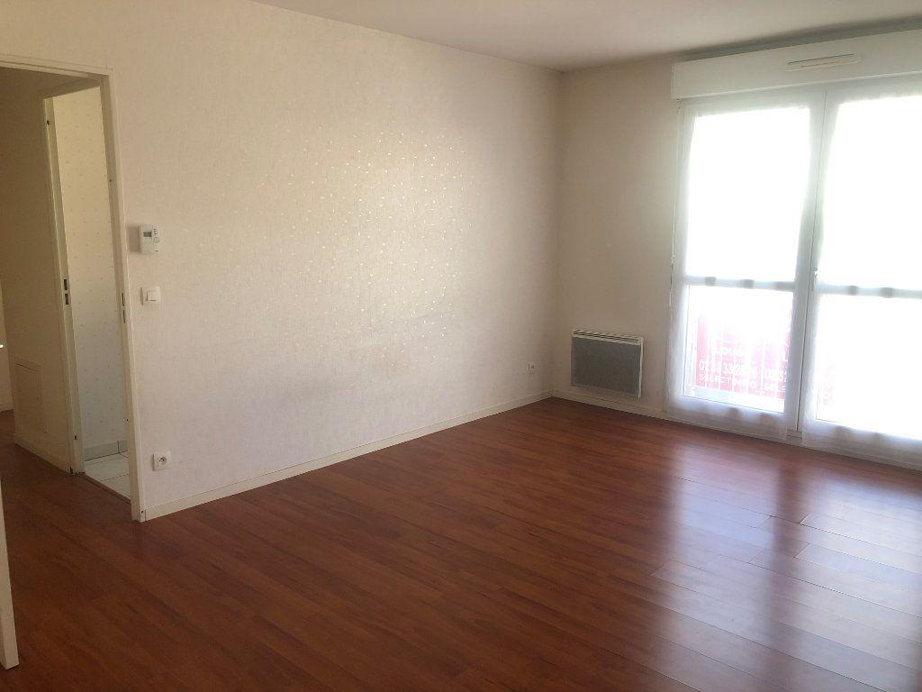 Appartement à louer 2 42.29m2 à Évreux vignette-2