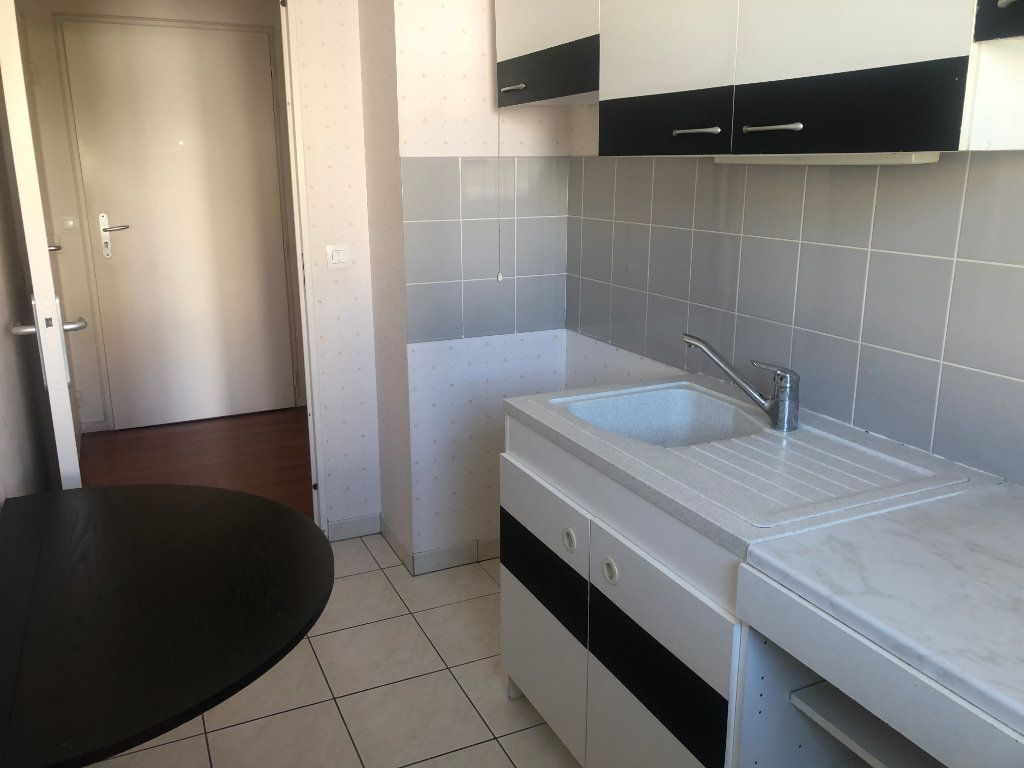 Appartement à louer 2 42.29m2 à Évreux vignette-5