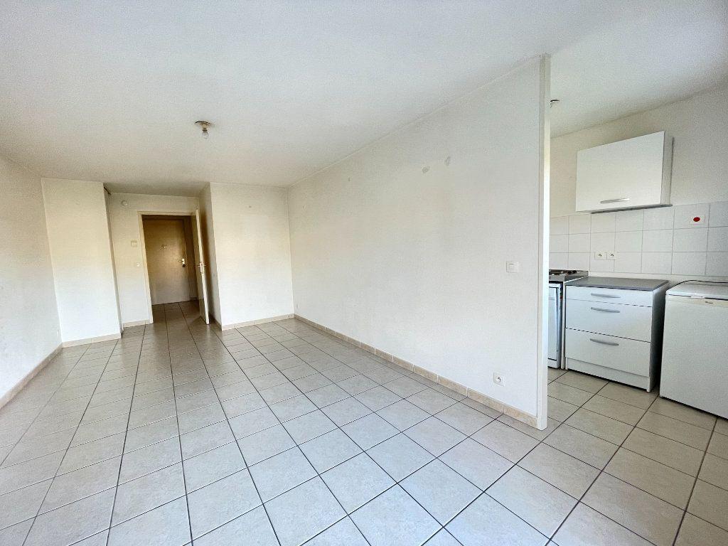 Appartement à louer 2 43.72m2 à Évreux vignette-1