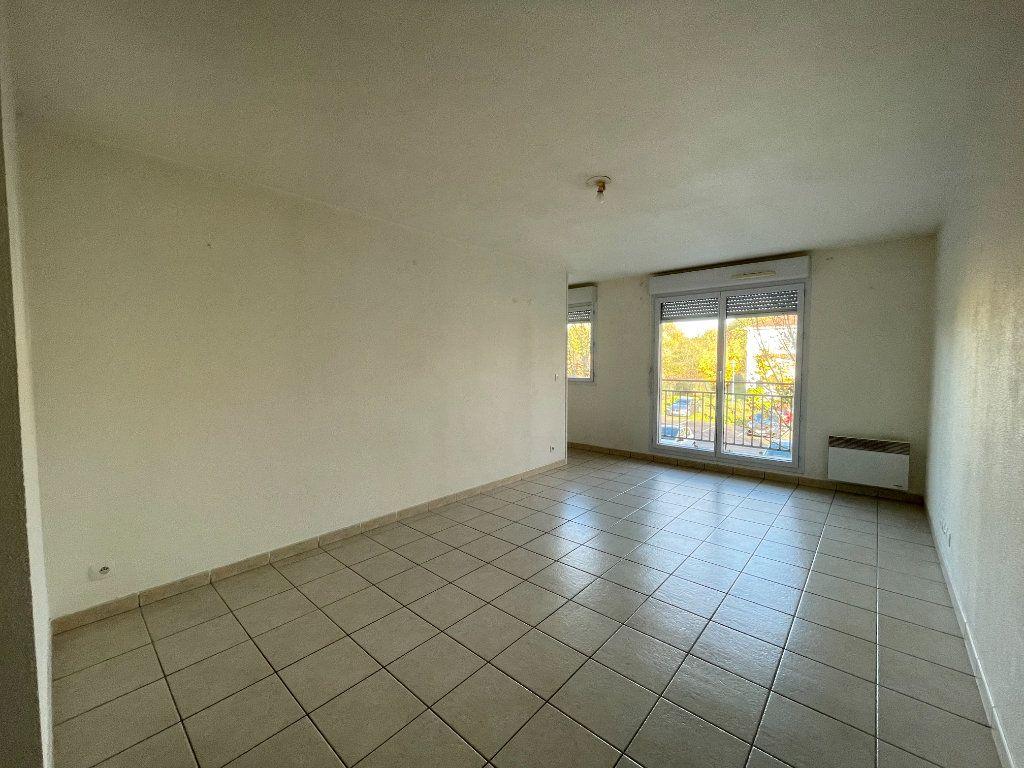 Appartement à louer 2 43.72m2 à Évreux vignette-3