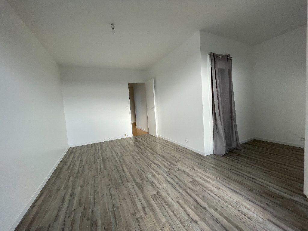 Appartement à louer 1 30.09m2 à Évreux vignette-2
