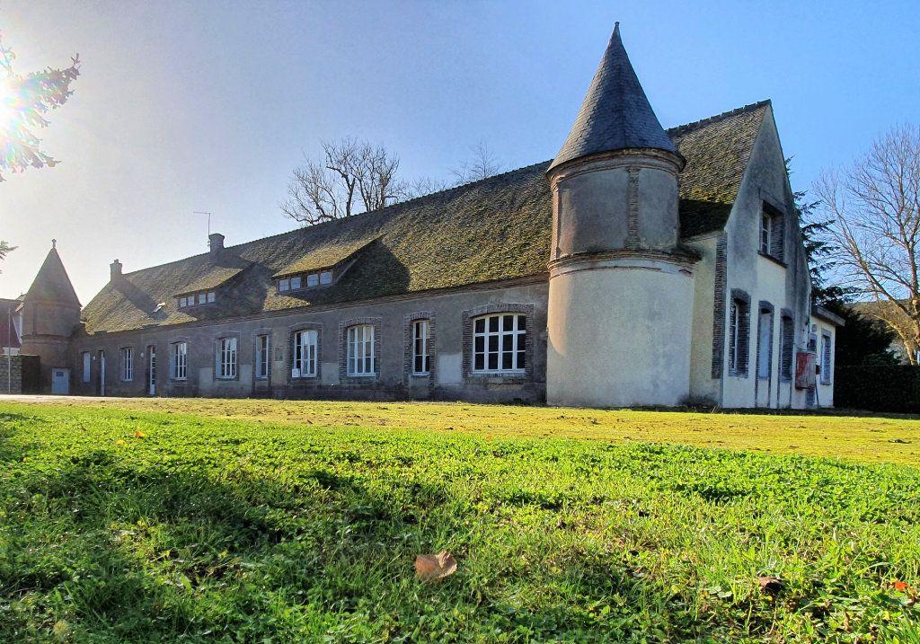 Maison à vendre 33 750m2 à Aunay-sous-Crécy vignette-1