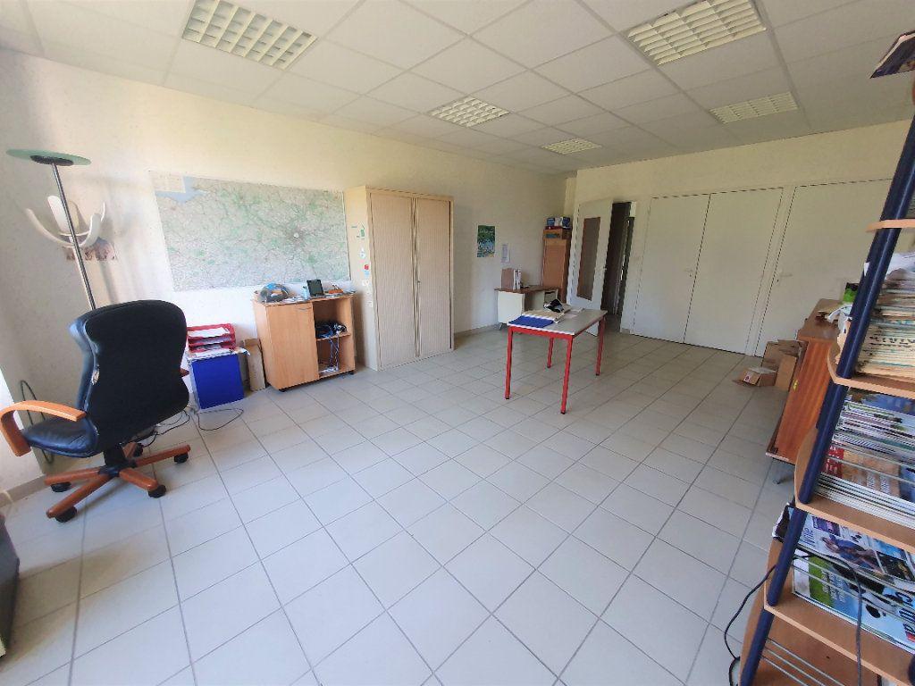 Maison à vendre 33 750m2 à Aunay-sous-Crécy vignette-11