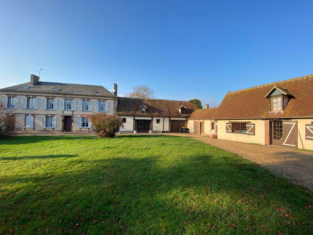 Maison à vendre 6 200m2 à Sylvains-les-Moulins vignette-1