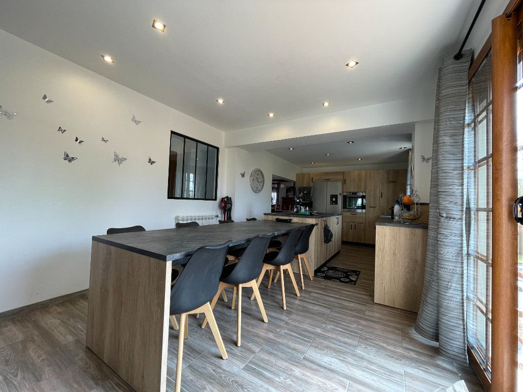 Maison à vendre 9 234m2 à Le Chesne vignette-7