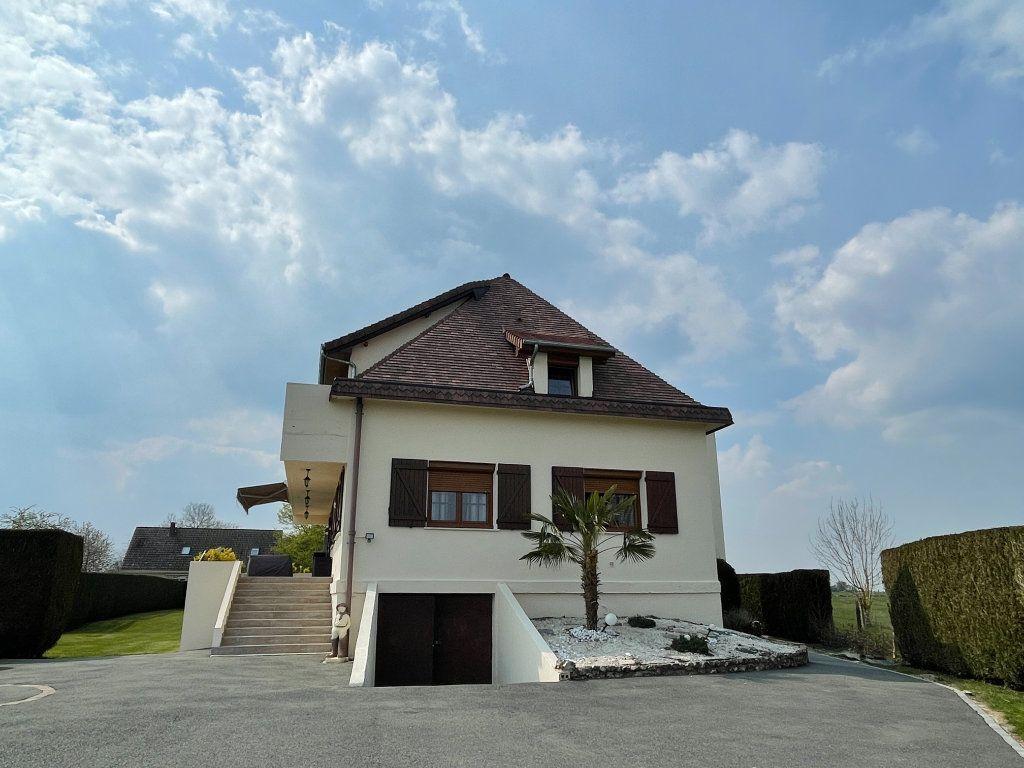 Maison à vendre 9 234m2 à Le Chesne vignette-16