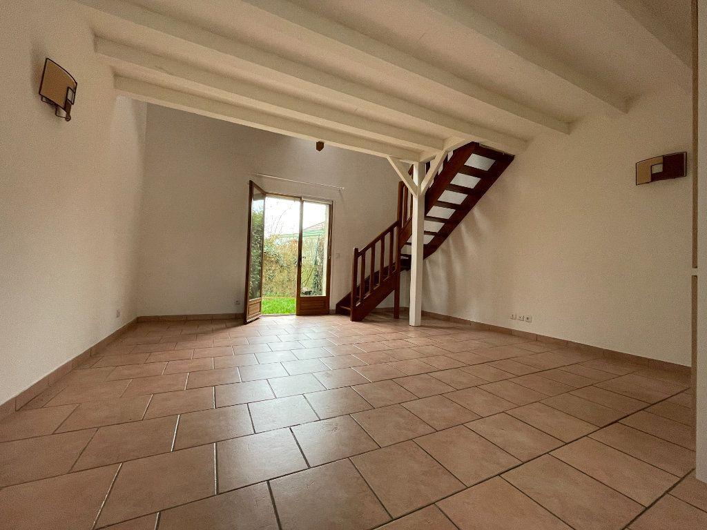 Maison à louer 3 52.9m2 à Évreux vignette-3