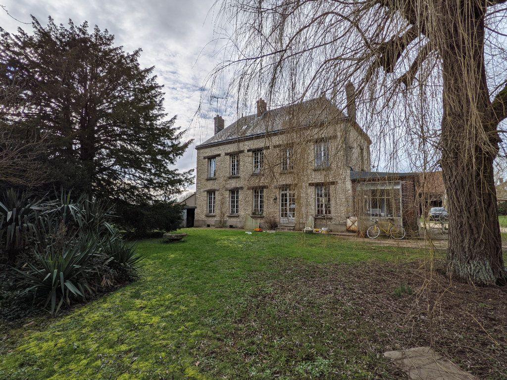Maison à vendre 9 300m2 à Caillouet-Orgeville vignette-1