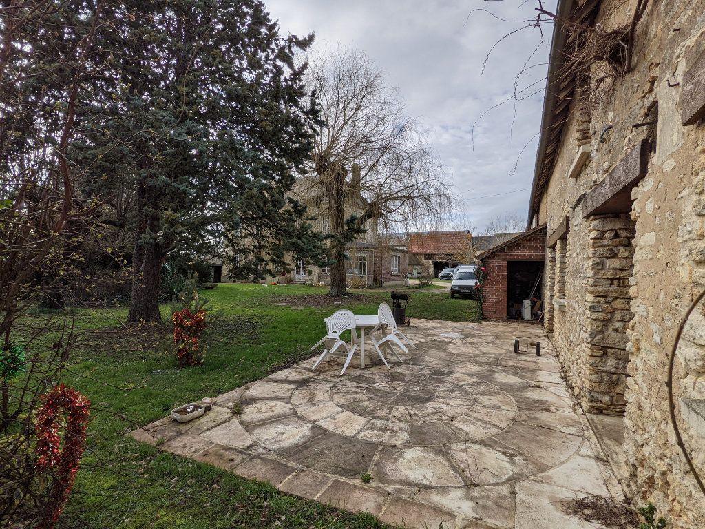 Maison à vendre 9 300m2 à Caillouet-Orgeville vignette-9