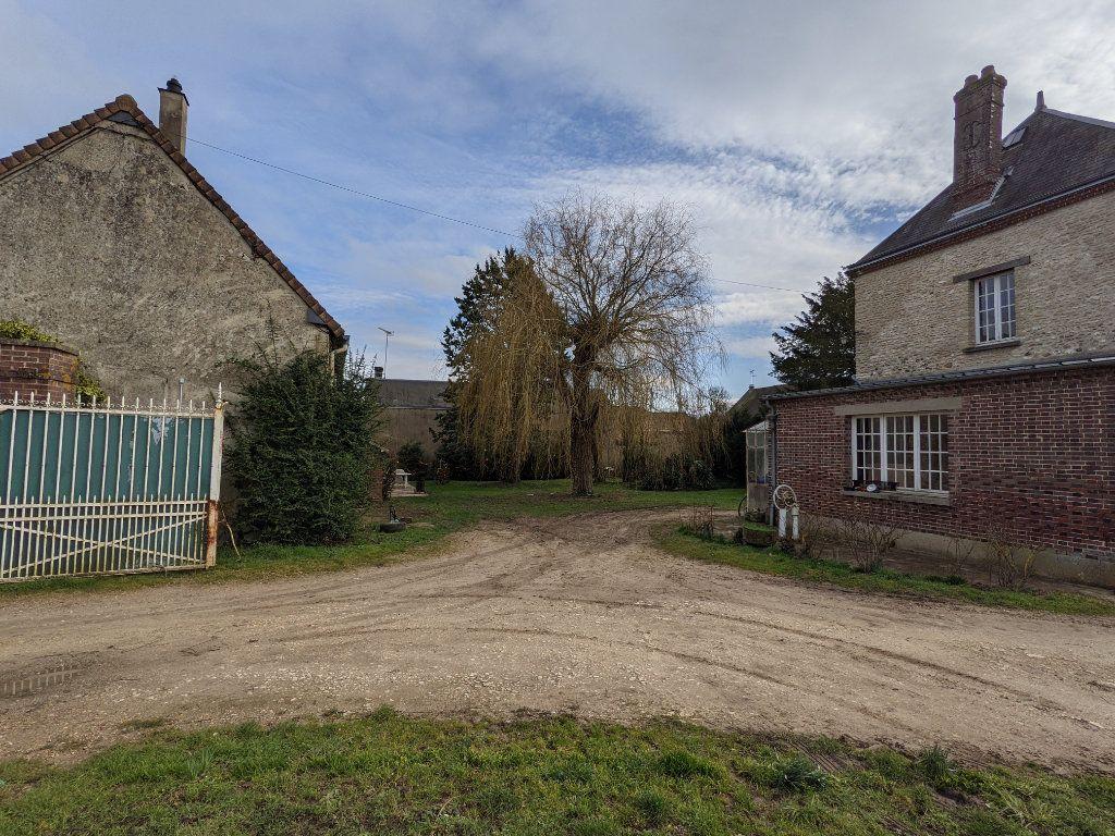 Maison à vendre 9 300m2 à Caillouet-Orgeville vignette-16