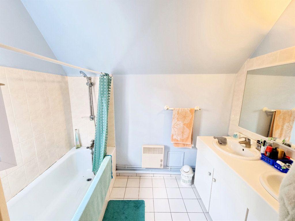 Maison à vendre 9 215m2 à Mousseaux-Neuville vignette-10