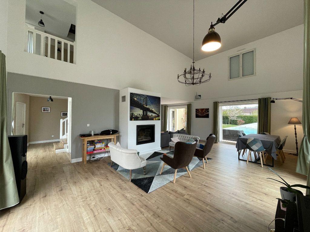 Maison à louer 9 320m2 à Le Val-David vignette-1