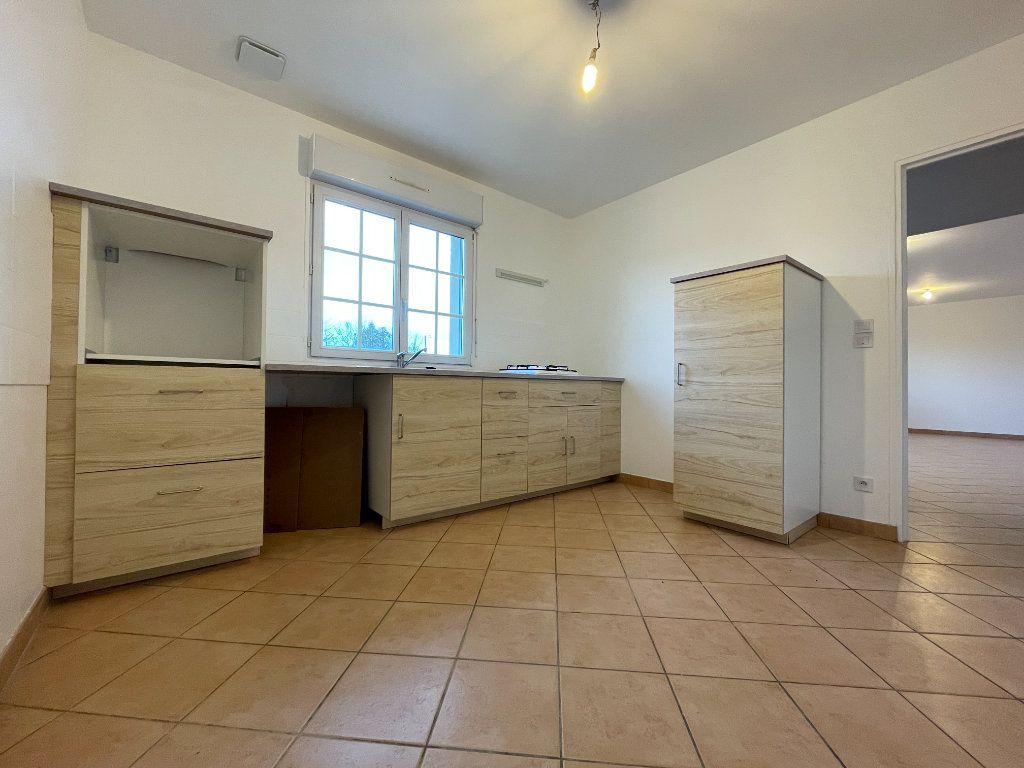Maison à louer 4 91m2 à Saint-Aubin-des-Hayes vignette-4