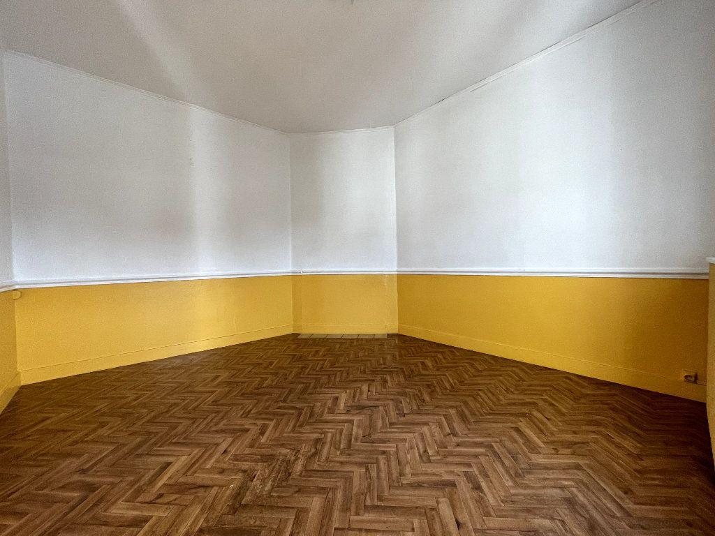 Maison à vendre 3 55m2 à Conches-en-Ouche vignette-1