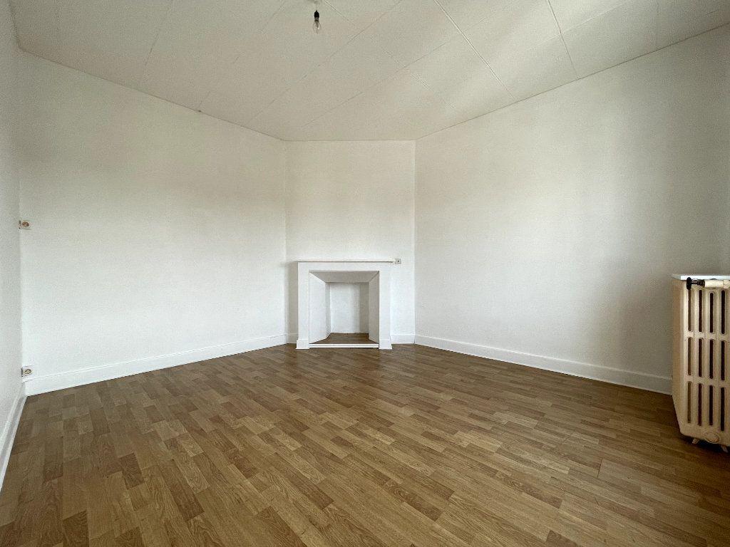Maison à vendre 3 55m2 à Conches-en-Ouche vignette-2