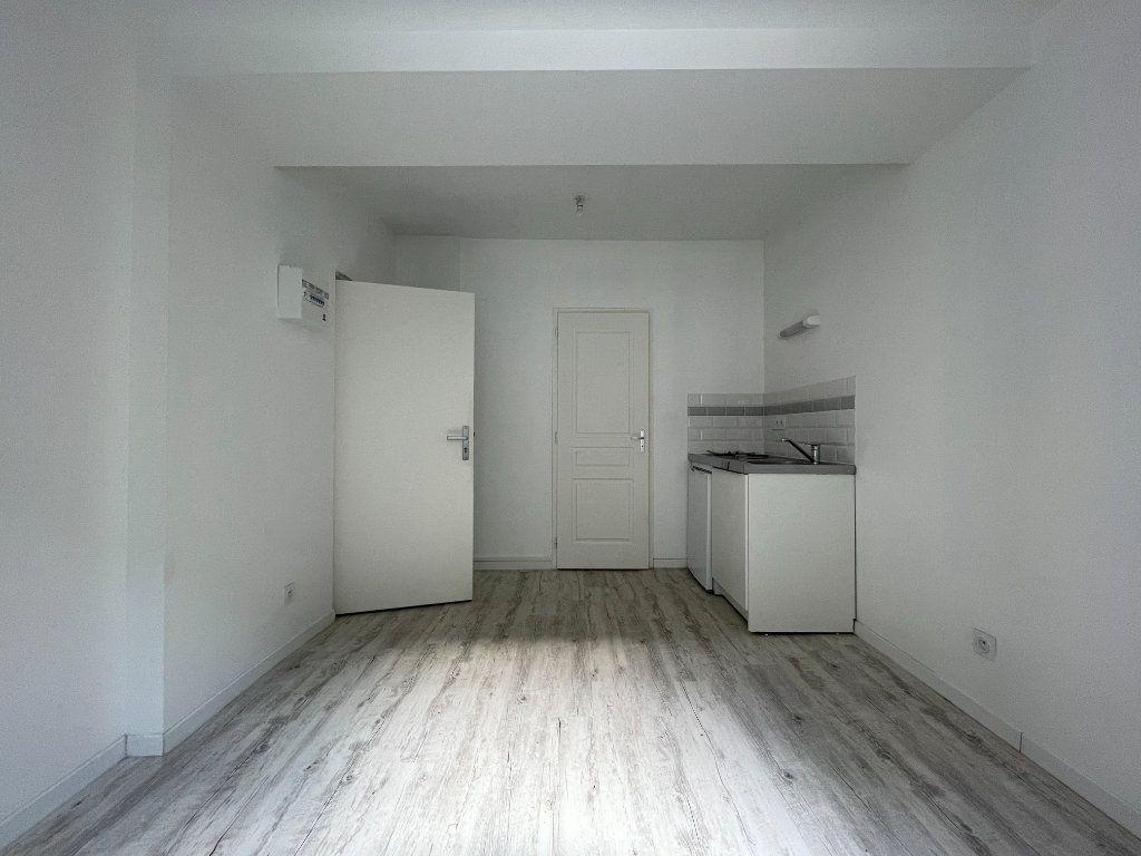 Appartement à louer 1 17.36m2 à Évreux vignette-1
