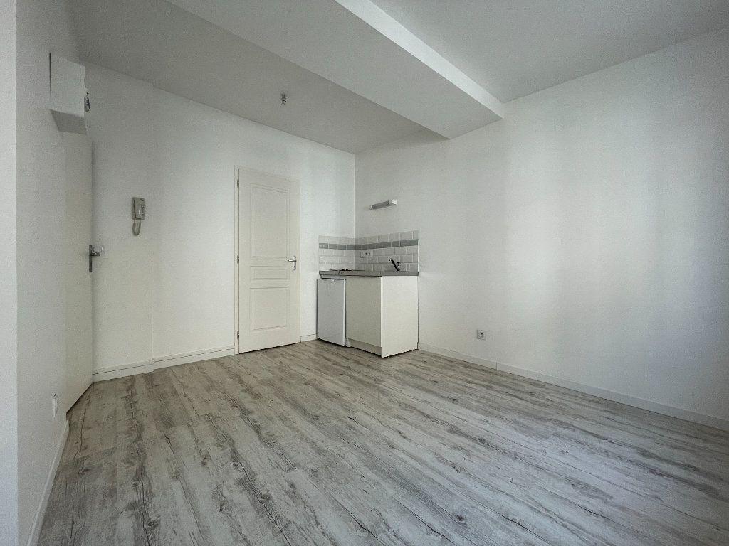 Appartement à louer 1 17.36m2 à Évreux vignette-2