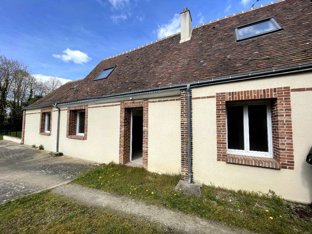 Maison à vendre 4 122m2 à Verneuil-sur-Avre vignette-1