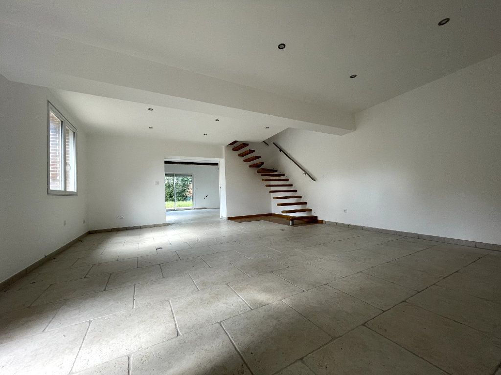 Maison à vendre 4 122m2 à Verneuil-sur-Avre vignette-2