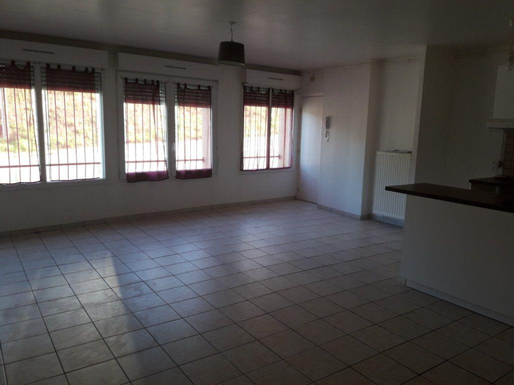 Appartement à louer 2 59.66m2 à Évreux vignette-2