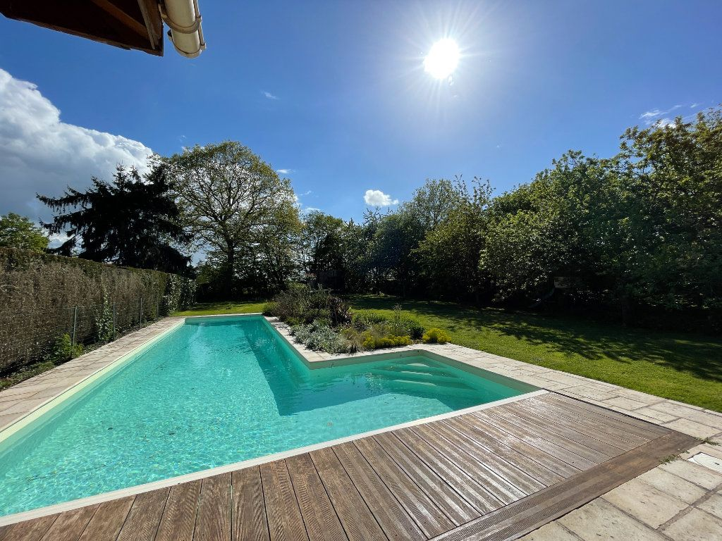 Maison à vendre 7 144m2 à Sainte-Marguerite-de-l'Autel vignette-2