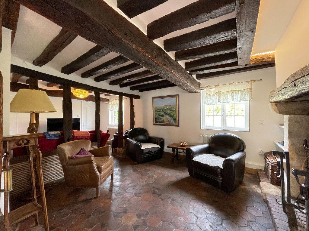 Maison à vendre 7 144m2 à Sainte-Marguerite-de-l'Autel vignette-3
