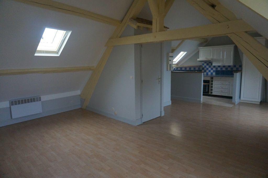 Appartement à louer 1 30m2 à Breteuil vignette-1