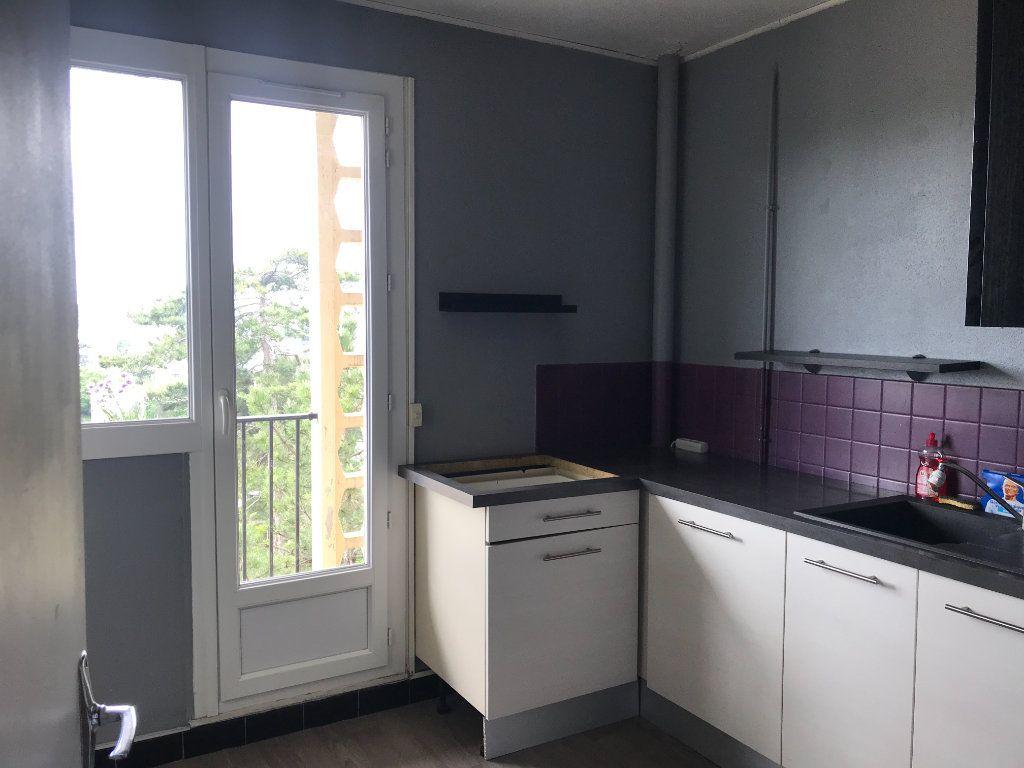 Appartement à louer 3 59m2 à Évreux vignette-3