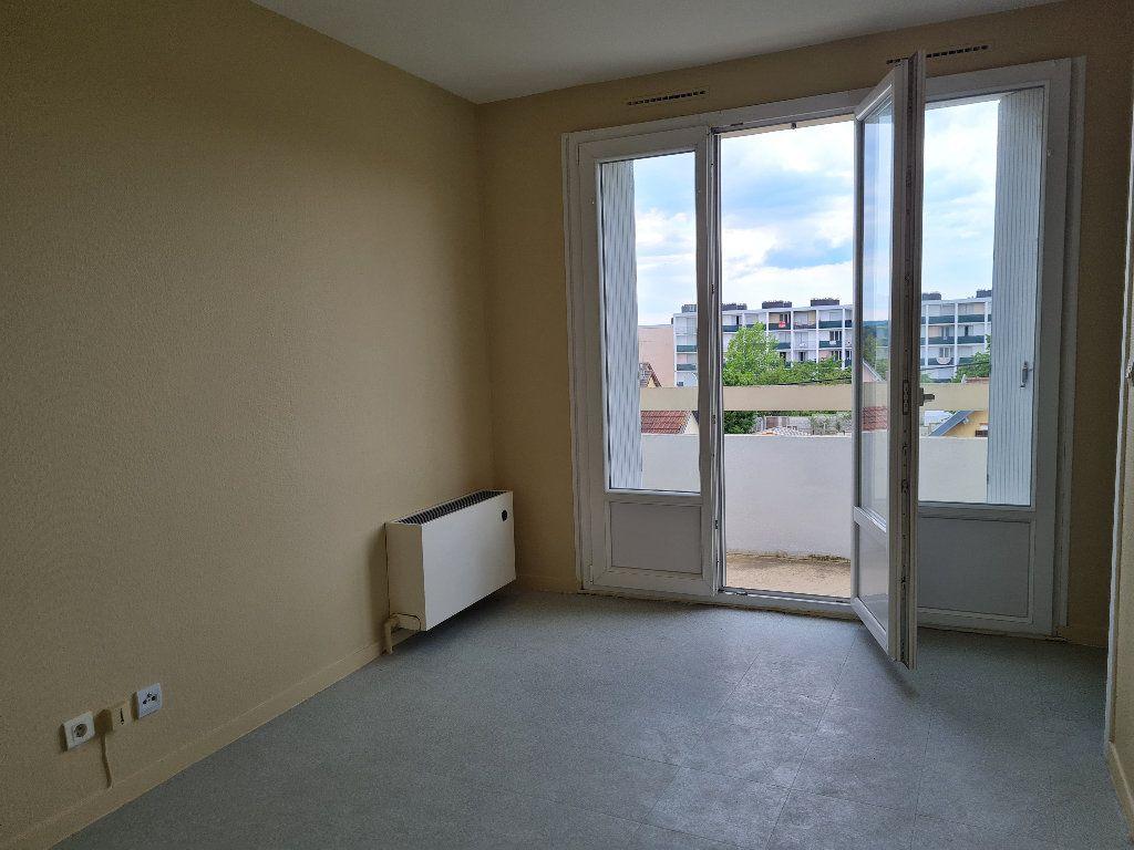 Appartement à louer 1 17.23m2 à Évreux vignette-2